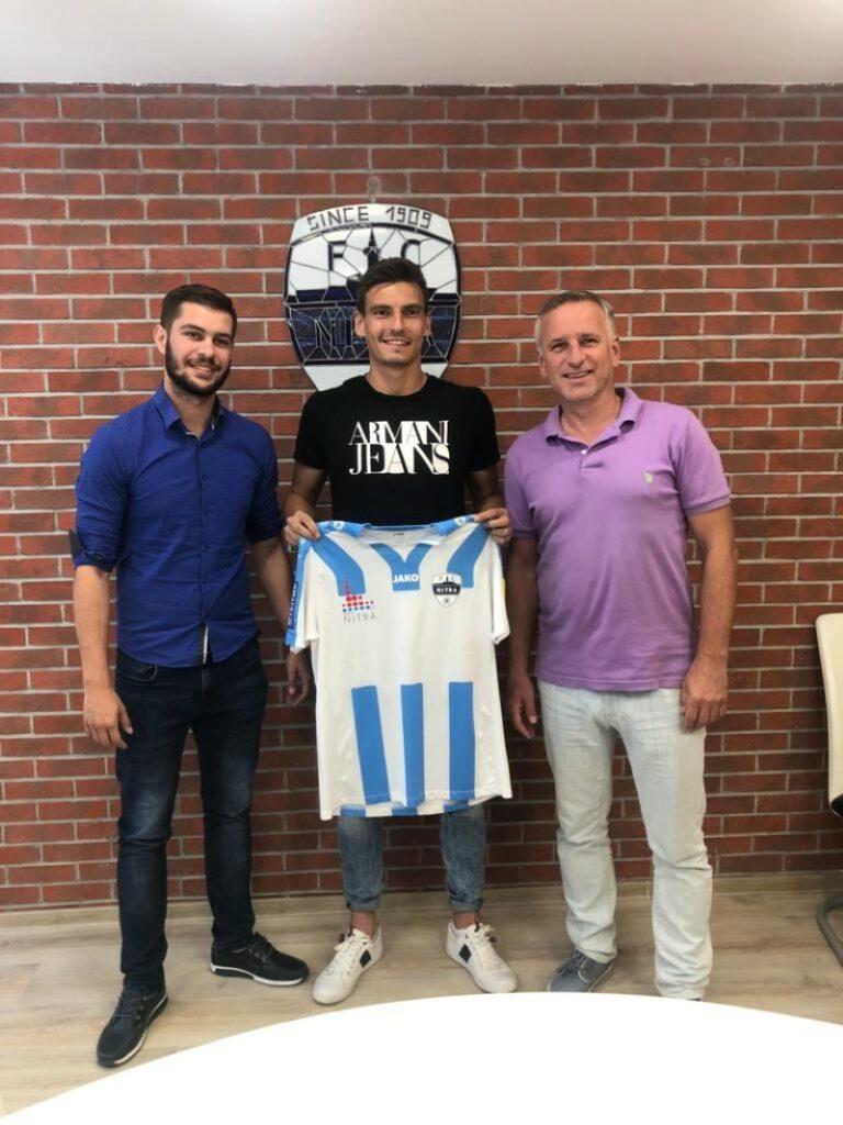 Oliver Podhorín -> FC Nitra